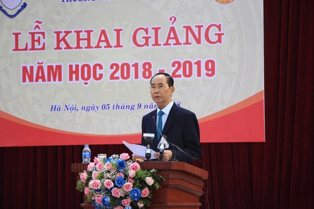 Chủ tịch nước Trần Đại Quang phát biểu trong buổi lễ khai giảng tại trường THPT Chu Văn An, Hà Nội.