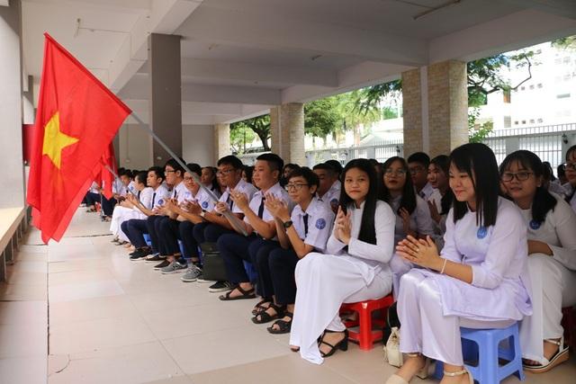 Lễ khai giảng tại trường THPT Long Xuyên, tỉnh An Giang. (Ảnh: Nguyễn Hành)