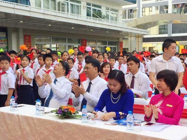 Những thành tích của năm học đầu tiên ấy đã tạo nên niềm tin vững chắc cho toàn thể đội ngũ thầy - trò để tiếp tục cuộc hành trình chinh phục những đỉnh cao phía trước, góp phần quan trọng tạo sự tin tưởng với phụ huynh học sinh trên địa bàn quận Thanh Xuân nói riêng, Thành phố Hà Nội nói chung.