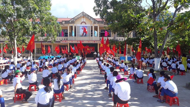 Học sinh Quảng Trị trong ngày khai giảng năm học mới