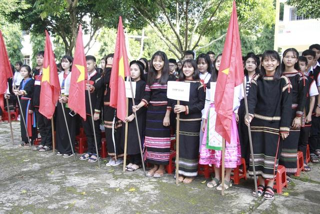 Trường THPT Dân tộc Nội trú Nơ Trang Lơng là trường nhiều năm liền có tỷ lệ đậu tốt nghiệp 100%
