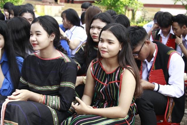 Học sinh đồng bào các dân tộc Đắk Lắk rạng rỡ ngày khai trường - 5