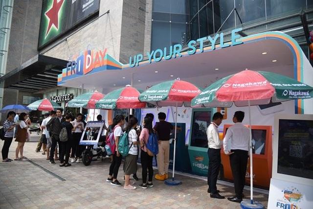 Có nhiều người tiêu dùng đã may mắn trong dịp sự kiện Online- Friday (Ảnh minh họa/Dân Việt)