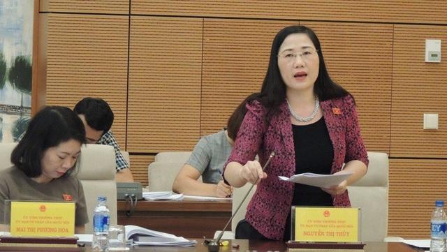 Đại biểu Quốc hội Nguyễn Thị Thuỷ - uỷ viên thường trực UB Tư pháp