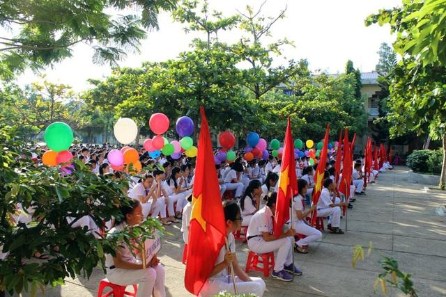 Sáng ngày 5/9, hơn 400 trường học ở Phú Yên tổ chức lễ khai giảng đầu năm học (ảnh Trung Thi)