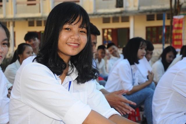 Những nụ cười rạng rỡ của các em học sinh Trường THCS & THPT Dân tộc Nội trú Hà Tĩnh