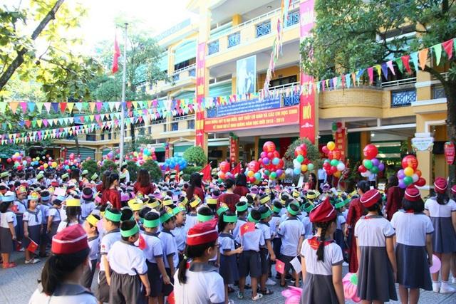 Màu sắc tươi vui lễ khai giảng tại trường tiểu học Vĩnh Ninh. (Ảnh: Đại Dương)