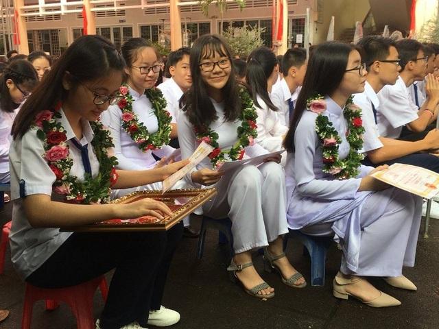 Các em học sinh trường THPT Châu Văn Liêm (Cần Thơ) trong ngày khai giảng năm học mới. (Ảnh: Phạm Tâm)