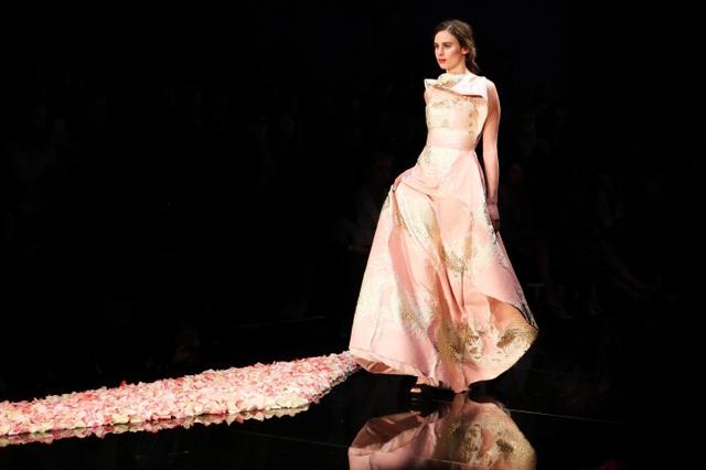 Hình ảnh BST Xuân Hè 2016 của PHUONG MY diễn tại Perth Fashion Festival