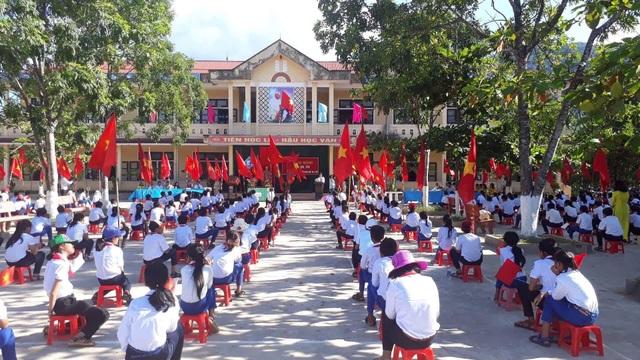 Lễ kKhai giảng tại trường THCS thị trấn Krông Klang, huyện Đakrông, tỉnh Quảng Trị. (Ảnh: Đ. Đức)