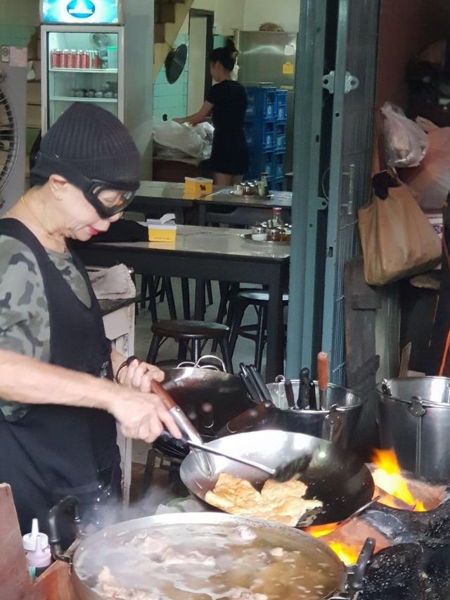 Đến thăm quán ăn đường phố duy nhất ở Bangkok nhận được sao Michelin - 7