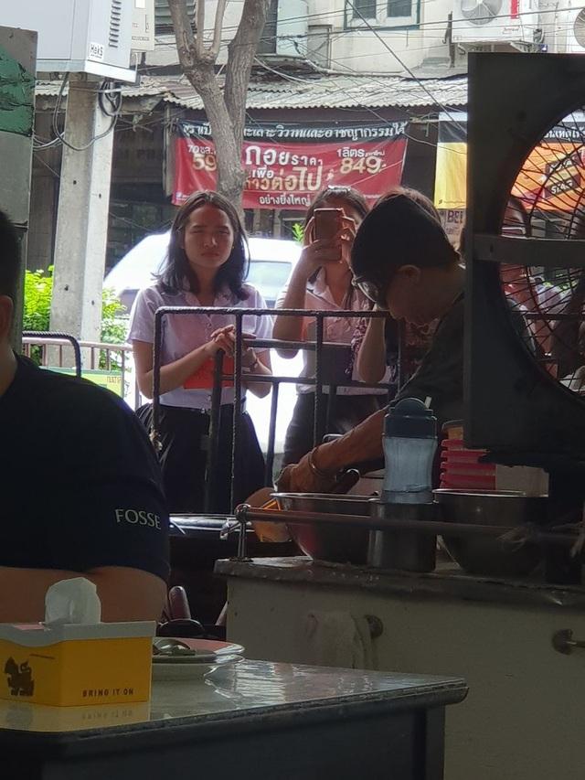Đến thăm quán ăn đường phố duy nhất ở Bangkok nhận được sao Michelin - 8