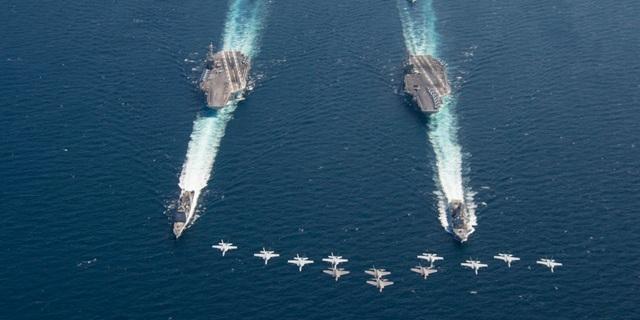 Hai tàu sân bay USS Abraham Lincoln và USS Harry S. Truman của Mỹ (Ảnh: Quân đội Mỹ)