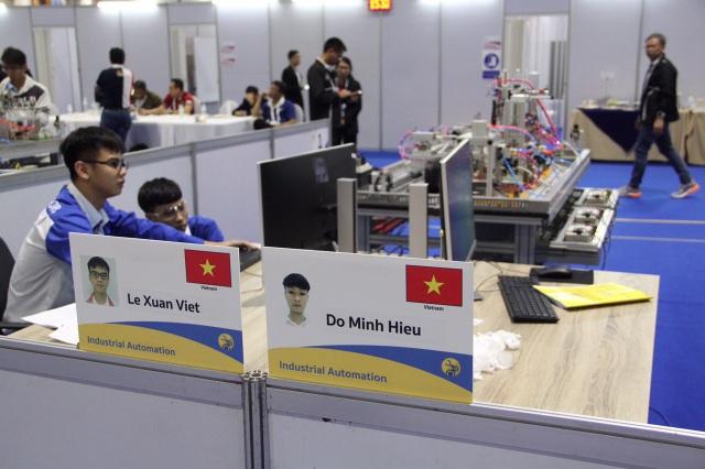 Thí sinh Việt Nam tranh tài tại Kỳ thi tay nghề Asean lần thứ 12 (Ảnh: Tổng cục Giáo dục nghề nghiệp).
