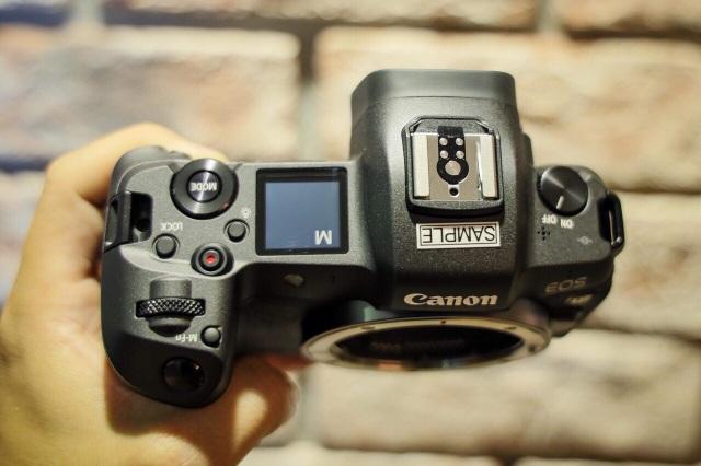 Canon tung máy ảnh không gương lật Full-Frame đầu tiên - 5