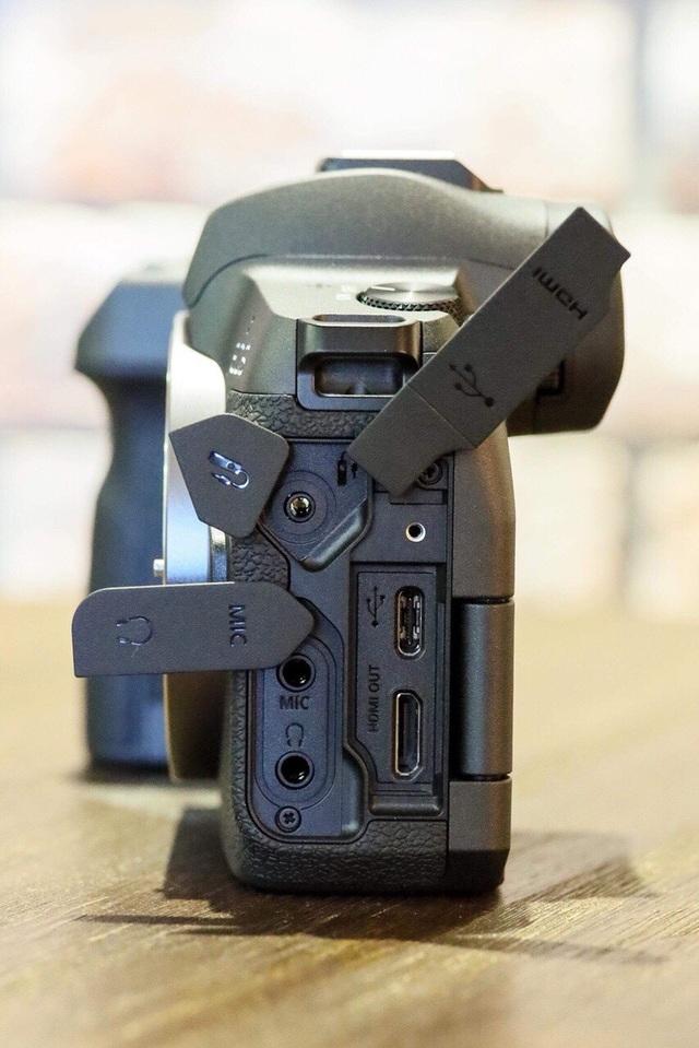 Canon tung máy ảnh không gương lật Full-Frame đầu tiên - 4