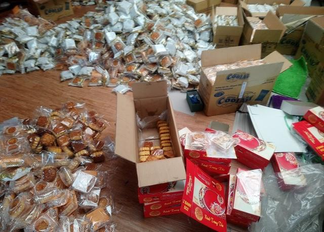 Gần bốn ngàn chiếc bánh trung thu bị tạm giữ