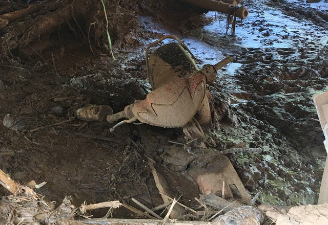 Nhiều tài sản bị lũ cuốn trôi và nhấn chìm