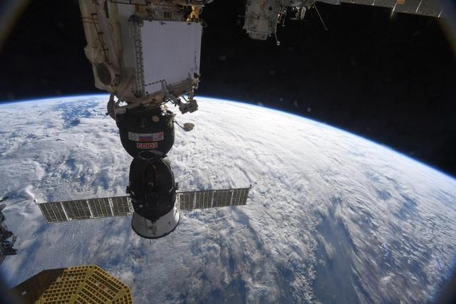Nga cho biết lỗ rò rỉ trên trạm vũ trụ có thể là do phá hoại - 1