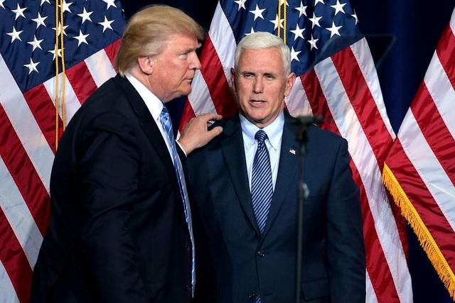 Tổng thống Trump và Phó Tổng thống Pence (Ảnh: AFP)