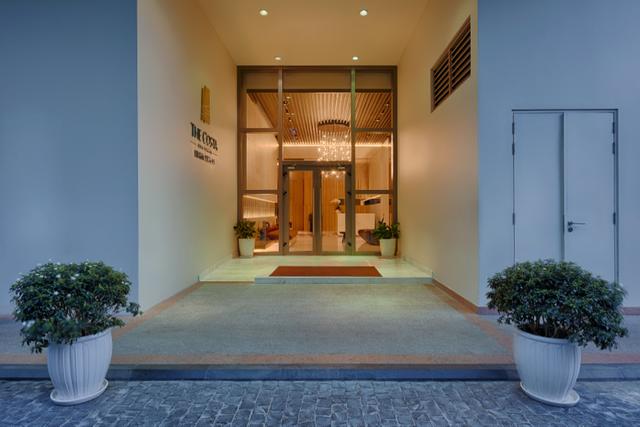 Tại The Costa Nha Trang, không gian sống cá nhân là độc đáo và sự riêng tư là tối thượng từ khu vực sảnh vào cho đến các khu biệt lập, an ninh 24/7 cùng bãi biển riêng biệt trên con đường Trần Phú, hệ thống thang máy được thiết kế đảm bảo sự riêng biệt và thẻ từ được sử dụng cho từng tầng.