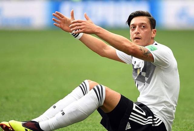 Mesut Ozil sẽ không quay lại thi đấu cho đội tuyển quốc gia Đức