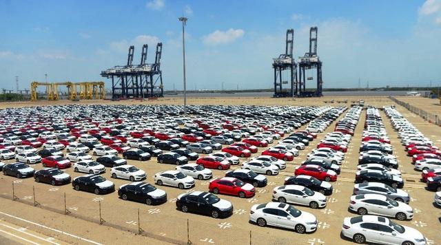 Lượng xe ô tô nhập khẩu về TPHCM trong 7 tháng đầu năm giảm mạnh đã khiến Hải quan thành phố giảm thu ngân sách khoảng hơn 7.000 tỷ đồng.