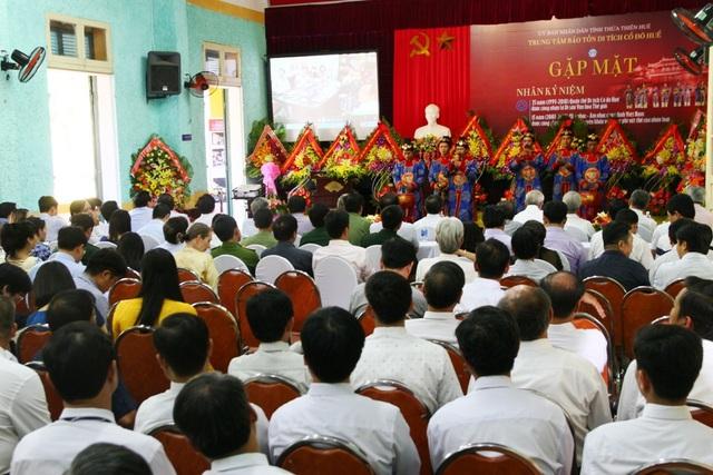 Nhiều thế hệ cán bộ của Trung tâm Bảo tồn Di tích Cố đô Huế, các nhà nghiên cứu, văn hóa Huế, lãnh đạo các thời kỳ tỉnh Thừa Thiên Huế có mặt tại buổi lễ