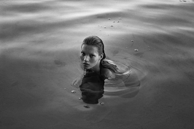 Một bức ảnh Mario Sorrenti chụp Kate Moss