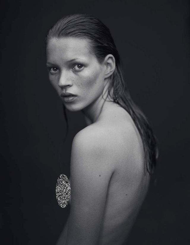 Sorrenti chụp Kate Moss trong loạt ảnh quảng cáo cho một dòng nước hoa danh tiếng hồi năm 1993.