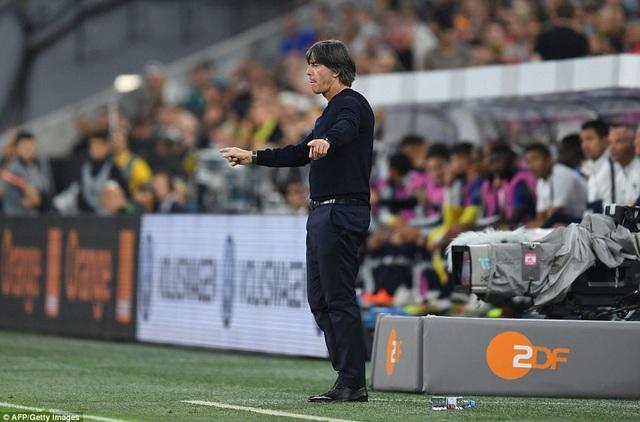 Joechim Loew đang tiến hành cách mạng tuyển Đức sau thất bại thê thảm ở World Cup 2018
