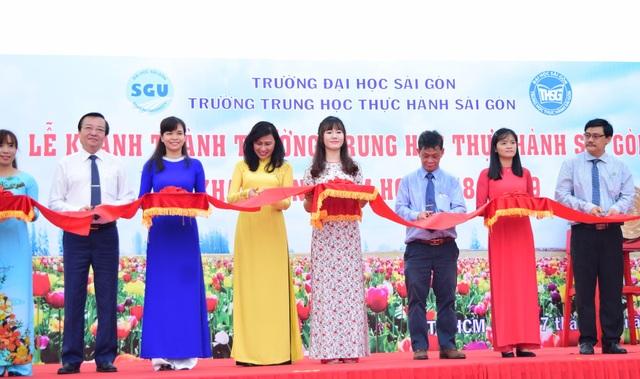 Lãnh đạo TPHCM đến cắt băng khánh thành cơ sở mới của trường Thực hành Sài Gòn