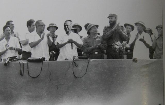 Đại diện Chính phủ Cách mạng lâm thời Cộng hòa miền Nam Việt Nam đọc lời chào đón lãnh tụ Cu Ba