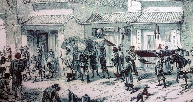 Hình ảnh miêu tả lại đoàn hộ tống của một vị quan trong khu phố cổ Hà Nội.