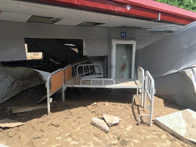 Khi cơn lũ ập xuống, có 48 học sinh đang ở tại trường