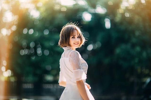 Gió trở mùa, em xoay trở trái tim để tìm hạnh phúc mới, vì em xứng đáng... (Ảnh minh họa: Kun Mon)