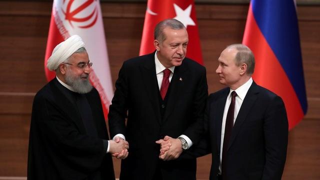 Từ phải qua trái: Tổng thống Nga Putin, Tổng thống Thổ Nhĩ Kỳ Erdogan và Tổng thống Iran Rouhani (Ảnh: Reuters)