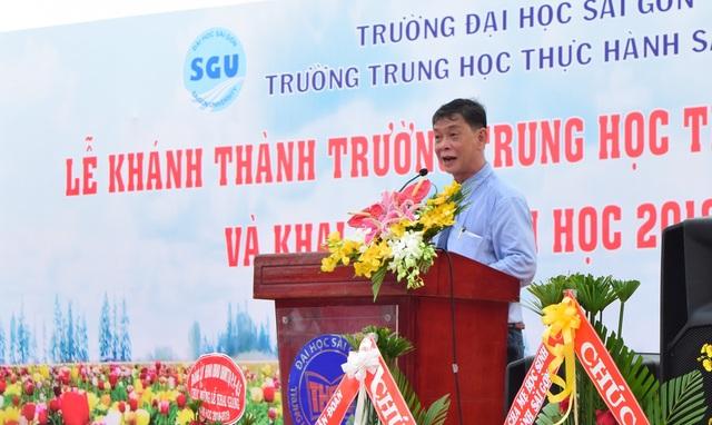 PGS.TS Phạm Hoàng Quân, Hiệu trưởng trường ĐH Sài Gòn phát biểu tại lễ khai giảng