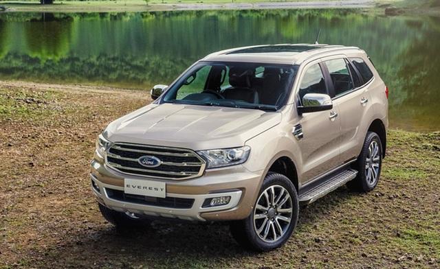 Ford Everest 2018 mới có giá bán thấp hơn phiên bản cũ khoảng 500 triệu đồng.