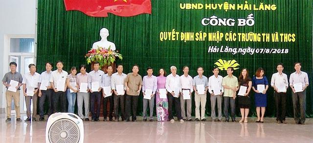 Huyện Hải Lăng công bố quyết định sáp nhập các đơn vị giáo dục (Ảnh: Trang thông tin Hải Lăng)