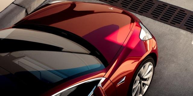 Tesla Model 3 có doanh số cao hơn tất cả xe con của BMW cộng lại - 1