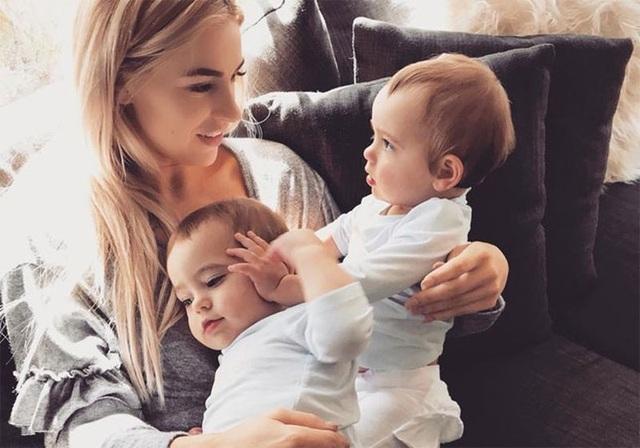Stacee và hai cô con gái nhỏ của mình