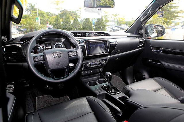 Toyota Hilux mới có gì cạnh tranh cùng các đối thủ? - 8