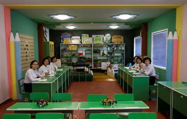 Bên trong một lớp học dành cho sinh viên sư phạm Triều Tiên.