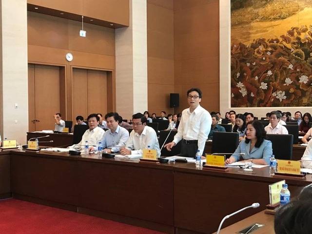 Phó Thủ tướng Vũ Đức Đam cho biết, nhiều trường đại học đang bày tỏ tâm tư về bản dự thảo luật