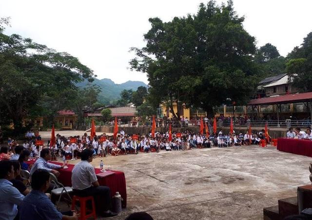 Buổi lễ khai giảng được tổ chức tại trường Tiểu học Mường Chanh