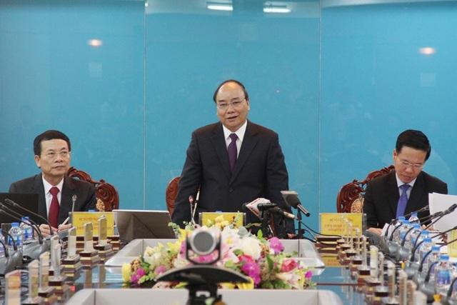 Thủ tướng Chính phủ Nguyễn Xuân Phúc phát biểu chỉ đạo buổi làm việc.