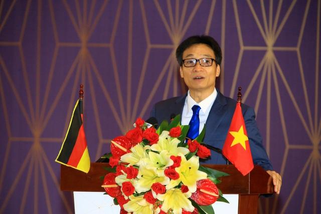 Phó Thủ tướng Vũ Đức Đam phát biểu tại lễ kỉ niệm 10 thành lập trường ĐH Việt Đức. (Ảnh: X. Hiền)