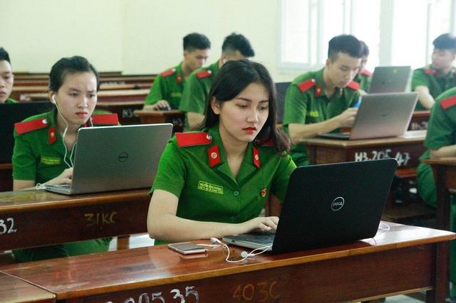 Bạn Nguyễn Hồng Phương, lớp Kỹ thuật hình sự chất lượng cao