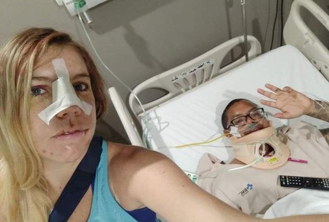 Cặp đôi phượt thủ đến từ Mỹ suýt tử nạn ở Bali, Indonesia, nhưng may mắn được cứu thoát nhờ mạng xã hội